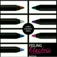 SILKY FUNKY EYELIGHT PENCIL hitam