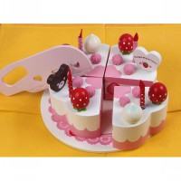 Wooden cake strawberry 4 Slice