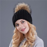 Kupluk Winter Wanita Model Pom Pom