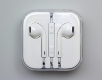 Apple EarPods with Remote and Mic Handsfree for iPhone 5-6 /iPad/iPod