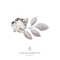 cocoa jewelry PIN Wanita Korea - Pearl Luster Brooch Leaves