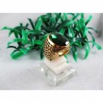 Cincin Titanium Gold Emerald dark